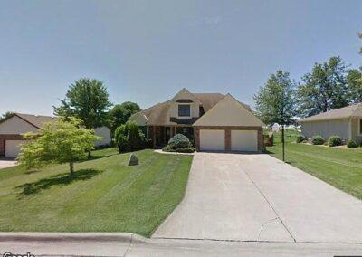 Higginsville, MO 64037