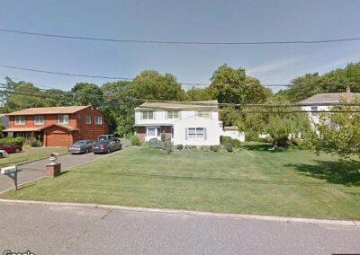 Oakdale, NY 11769